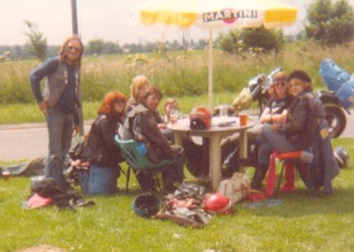 Paul, Gale, Pippin, Mick, Little Pete and Julie (Chronic) on way back from Gnasher Rally, Bedford - 1980